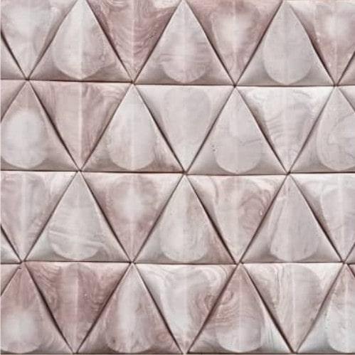 سنگ آنتیک مثلثی